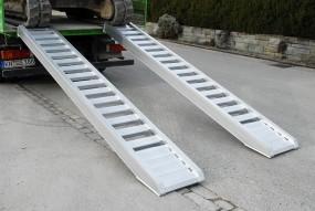 Auffahrrampe mit Sprossen | AVS Sprossen bis 7.700 kg
